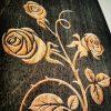 Logofraesung auf unbehandeltem Holz